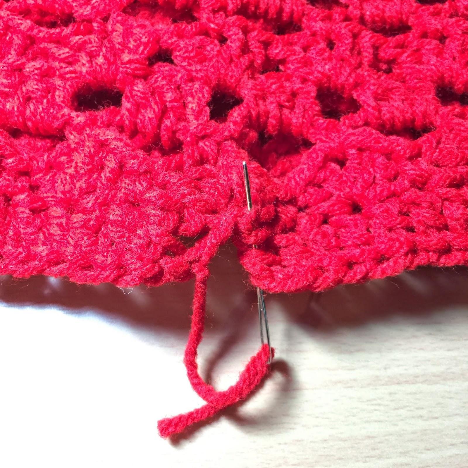 Crochet Wintery Pom Pom Cowl Pattern