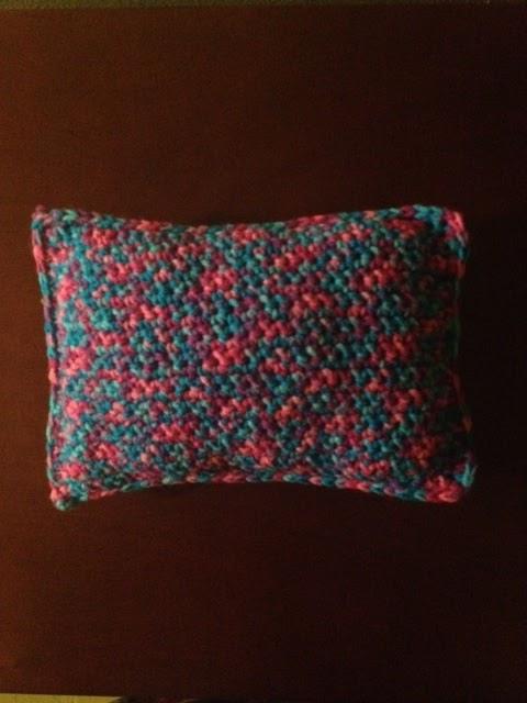 Fashion Doll Ruffled Pillow Free Crochet Pattern - Free Crochet ... | 640x480